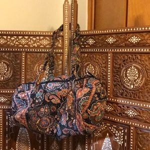 Vera Bradley duffle bag in great condition